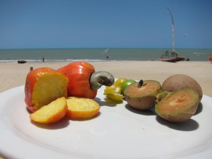 Praia_Cumbuco_frutas