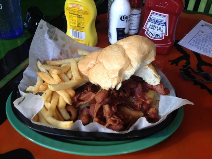 BaconBaconBacon_Sanduiche
